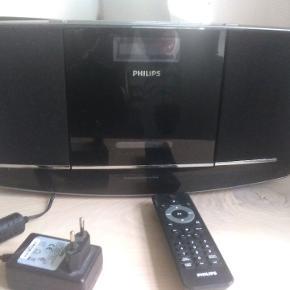 Velholdt anlæg fra Philips, super god lyd trods lille anlæg. Kan hænges på væg. 100% i orden. Købt for 899 kr