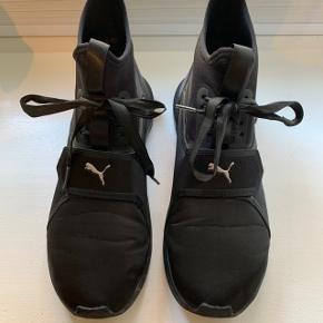 """Fede sneakers fra Puma købt i Italien. Er prøvet på få timer. Modellen hedder """"Ignite"""""""
