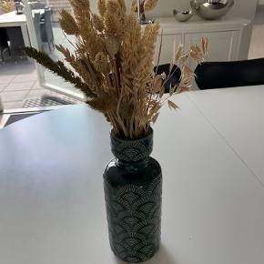 Monday sunday vase