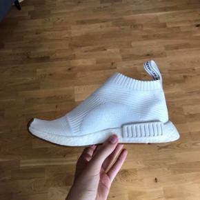 Adidas City Sock Aldrig brugt  Ny pris er 1500kr så derfor vil jeg helst gerne have mindst 700kr for dem, da de er så gode som nye ☺️