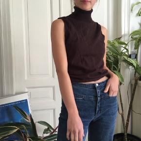 Flot brun bluse med rullekrave, Byd gerne -Tjek min profil ud-