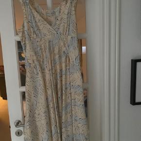 Margit Brandt kjole NSN