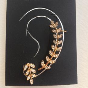 Super fine cuff ørering / ring til helix / brusk. Guld blad. Nypris 80kr fra glitter