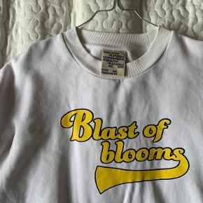 Sælger denne sweatshirt fra Baum und Pferdgarten i str. s 🌺 Er åben for bud så skriv endelig!