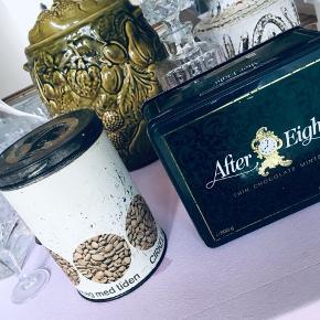 Cirkel kaffe dåse  Orginal pæn inden i og dufter af kasse ( brugbar )