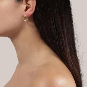 Helt nye aldrig brugt Jane kølig øreringe i guld