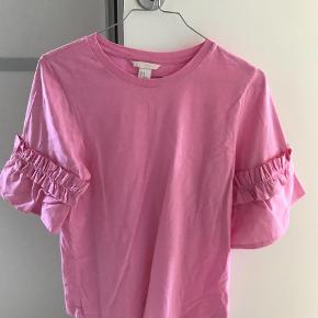 Varetype: T-shirt Farve: Pink  25pp  Bytter ikke   Handl via ts betaler køber de 5% i gebyr