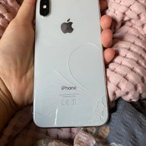 Hej, Sælger min iPhone x da jeg har fået en ny mobil. Den er lidt smadret foran og bag ved, den er i god stand har bare tabt den.