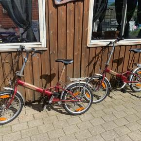 2 camping cykler skal ha nye slanger og den ene skal ha løsnet bagbremsen lidt har rust på stangen til sædet 6 gear