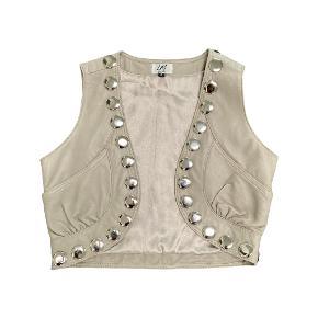 Line Mo vest
