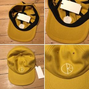POLAR cap. Adjustable. Helt ny. Aldrig brugt. Med prismærke.