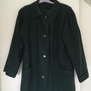 Frakke, Næsten som ny. Auning - Smuk uldfrakke str. 38. Frakke, Auning. Næsten som ny, Brugt og vasket et par gange men uden mærker eller skader