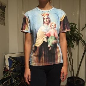 Meget Speciel t-shirt med Jesus og maria