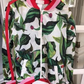 Smart jakke fra Michelle Monin for H&M. Super praktisk og bliver meget lidt beskidt.