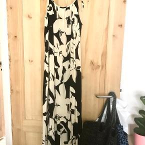 Super fin maxi kjole / stropkjole Passer xs-m