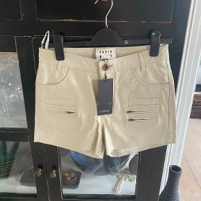 Karen By Simonsen shorts
