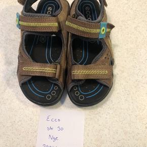 Nye sandaler fra ecco str 30