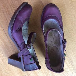 El Naturalista heels