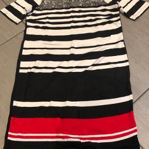 Signature kjole