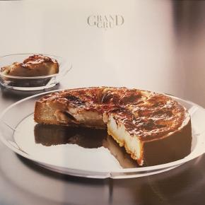 Gran Cru serveringsfad. 32 cm i diameter. Nypris 250 kr.