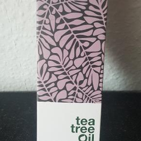 Australien Body Care, Tea Tree Oil intim wash. Aldrig brugt, stadig plomberet. Nypris i Matas 99.95.