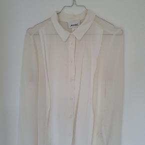 Monki Skjorte, God, men brugt. Slangerup - Monki Skjorte, Slangerup. God, men brugt, Brugt en periode og har derfor mindre tegn på brug