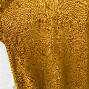 Vintage strik bluse i karry gul med mønster passer en L