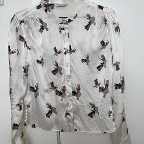 Helt ny smuk 100% silke skjorte fra artfusion