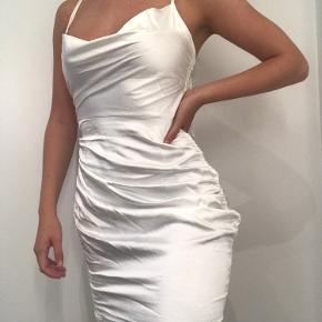 Fest kjole med Drawstring på siderne