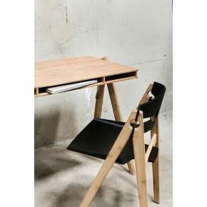 Spisebordsstol, Bambus, We Do Wood We Do Wood Dining Chair No 1 4 We Do Wood spisebordsstole sælges. Stolene er pæne og i god stand, men med brugsspor. H: 76 cm W: 49 cm D: 45 cm Sædehøjde: 43 cm Original kvittering medfølger. Pris for 4 stole: 5000 kr. Spisebordet er også til salg for 700 kr.