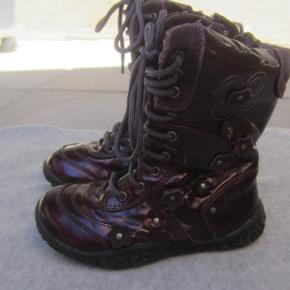 Adi støvler