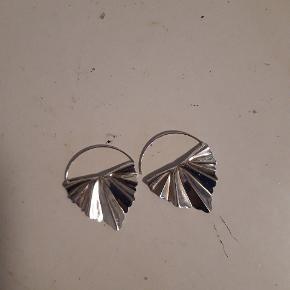 🌸Sælger disse super flotte øreringe fra Maanesten, da jeg desværre ikke får dem brugt🌸