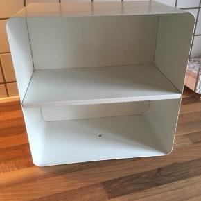 Ikea metal reol/hylde   33x33x20  Hent på adresse i Ringsted centrum