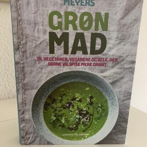 Jeg har disse 2 grønne kogebøger til salg. De har aldrig været brugt. Sælges samlet eller hver for sig.