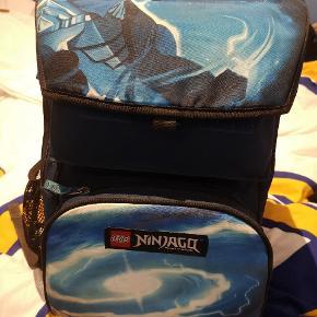 Meget pæn og velholdt skoletaske sælges. Ny pris 1200 kr. Fejler intet. Byd