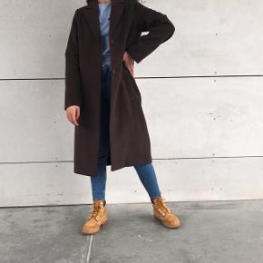 Smuk lang brun frakke 🌸💗