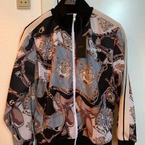 Palm Angels Bridle track jacket  Str. M  Ny med tags.   Alt OG.   Fast pris.