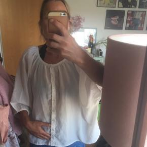 Råhvid oversize skjorte/bluse