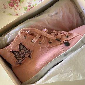 Odd Molly sneakers