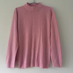 Lyserød strik sweater, str. 40/L