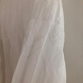 Skjorte med smukke detaljer fra H&M Conscious