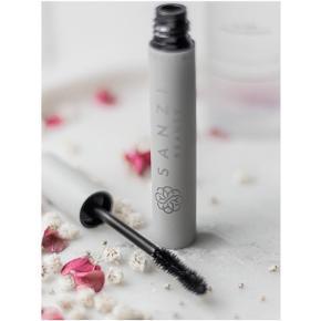Sanzi Beauty makeup