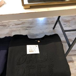 Sweater fra BAUM UND PFERGARTEN, str. s. Super lækker fin trøje, næsten ikke brugt ig vasket  en enkelt gang, for at sælge den💕 Kom med et bud