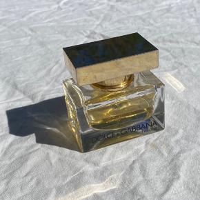 Dolce and gabbana parfume, 30 ml., brugt under halvdelen. Ca. 70% tilbage.