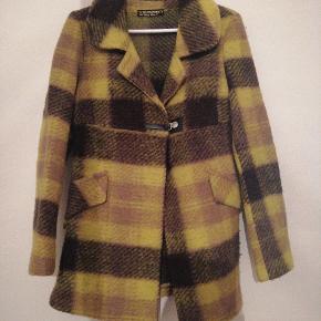 Smuk italiensk jakke. Købt i Italien. Brugt få gange