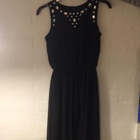 Lang fin sort kjole fra STAR str 14