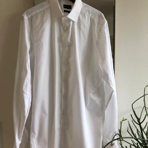 Hvid skjorte fra brun og stengard