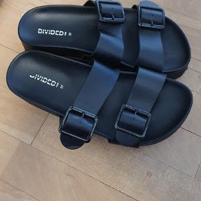 Ikke ret brugt. Fede sandaler med lidt ekstra højde. Skal afhentes, sender ikke.