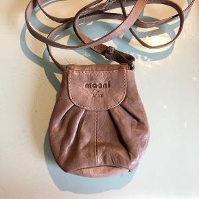 Super fin lædertaske til en læbestift og andre småting