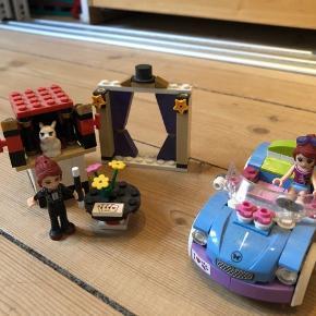 Mias bil og tryllekunstner Sælges helst samlet eller med mine andre Lego annoncer Mængderabat gives selvfølgelig  - ingen dele mangler -